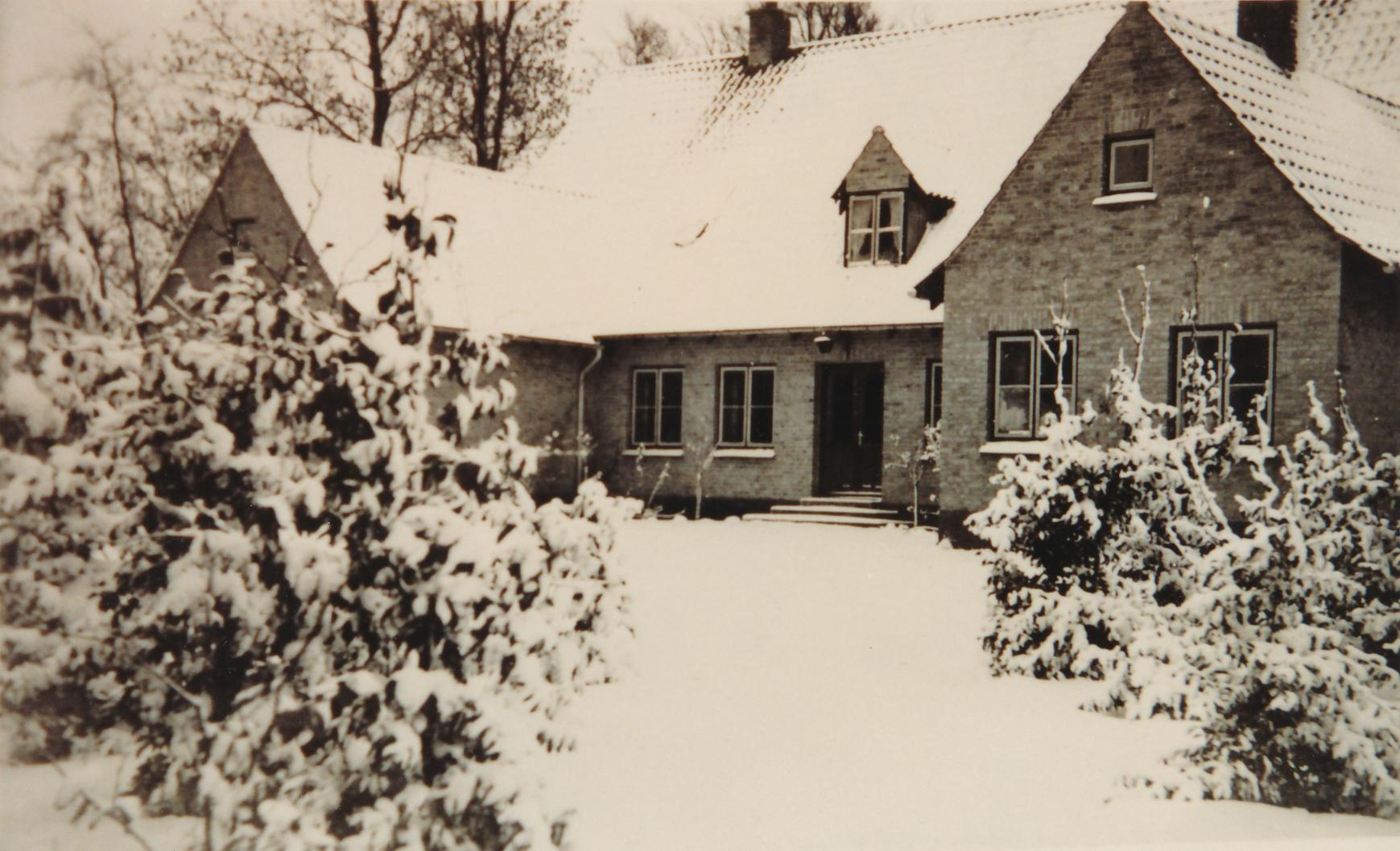 Præstegården i Søllested i snevejr
